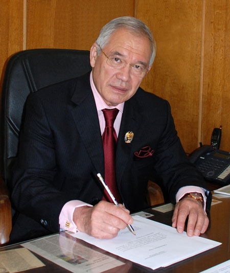 Хаитов Рахим Мусаевич